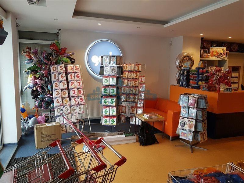 Lokal użytkowy na sprzedaż Raszyn  550m2 Foto 2