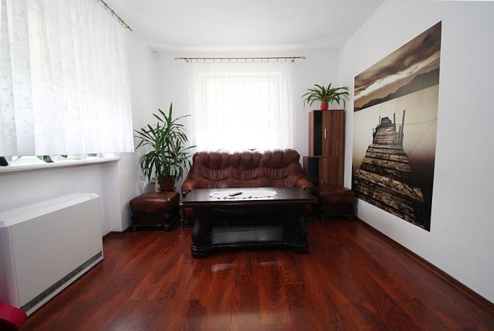 Mieszkanie czteropokojowe  na sprzedaż Borki  80m2 Foto 1