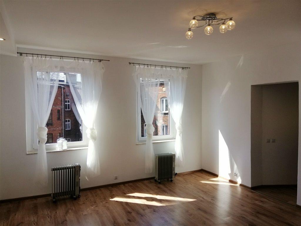 Mieszkanie dwupokojowe na sprzedaż Chorzów, Stary Chorzów  43m2 Foto 1