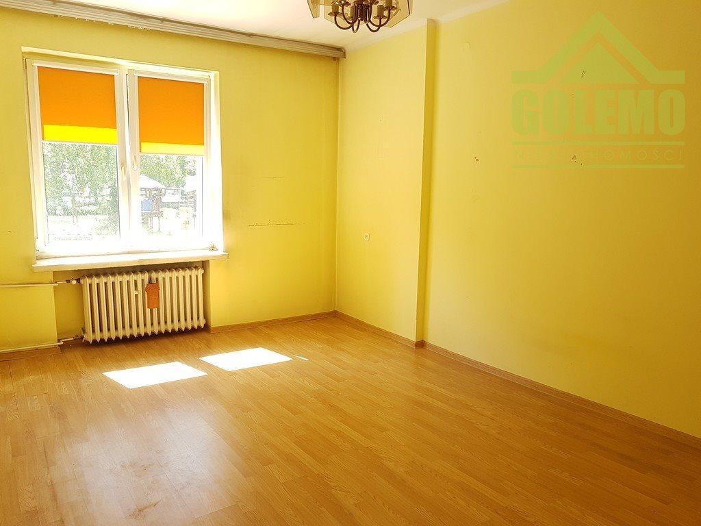 Mieszkanie trzypokojowe na sprzedaż Częstochowa, Raków, Ossowskiego  68m2 Foto 1