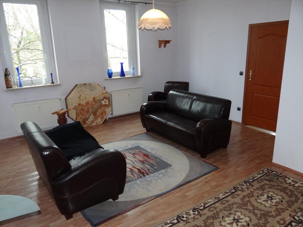 Mieszkanie czteropokojowe  na sprzedaż Niemodlin  102m2 Foto 1