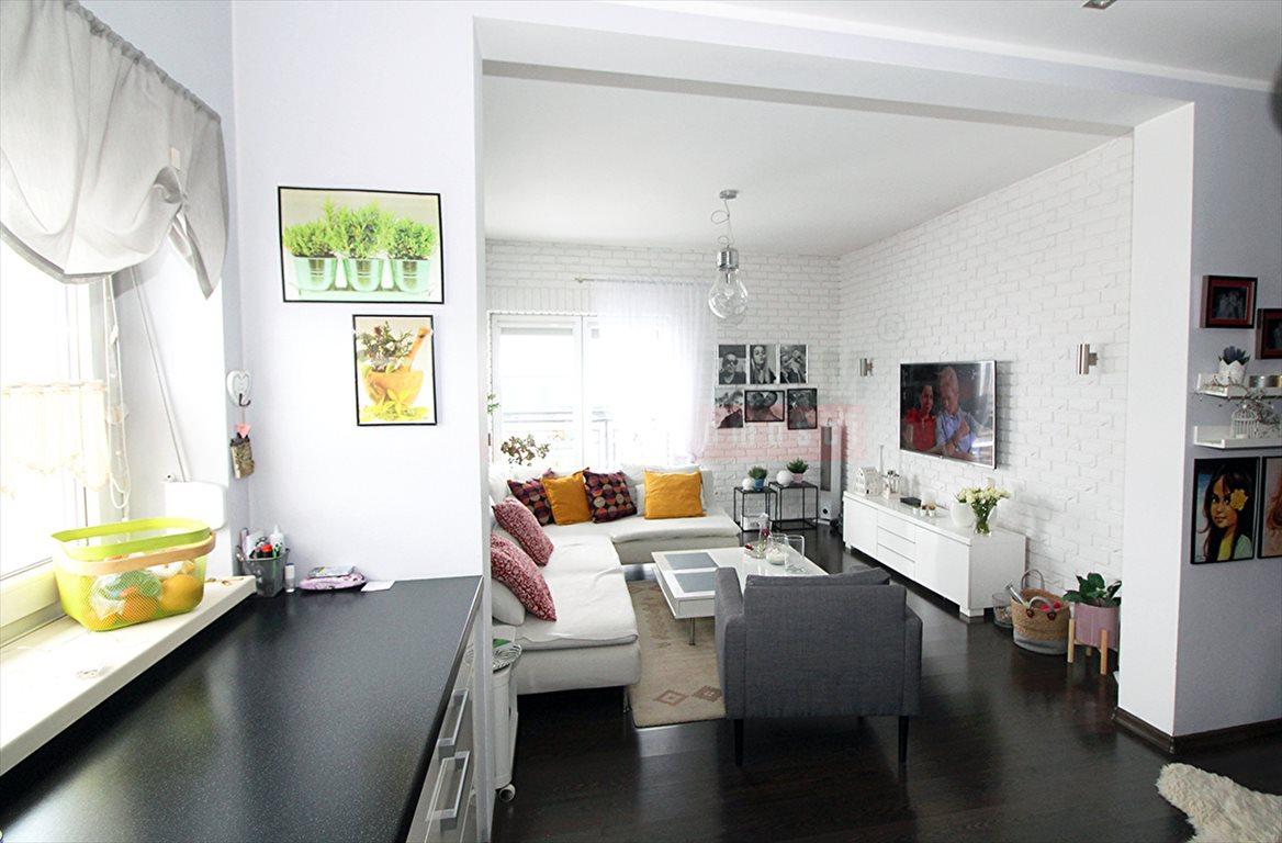 Mieszkanie trzypokojowe na sprzedaż Kluczbork  104m2 Foto 2