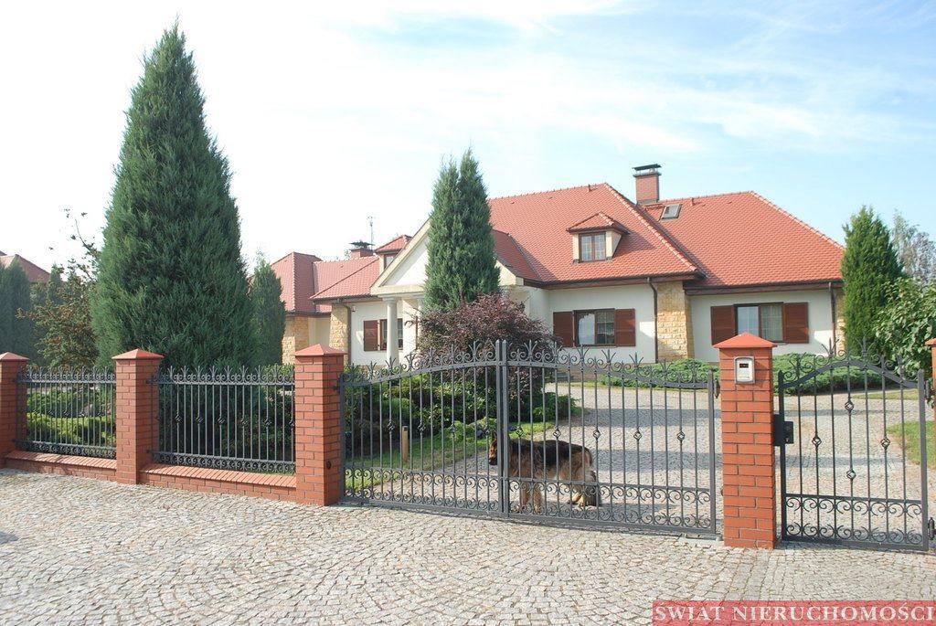 Dom na sprzedaż Żerniki Wrocławskie  440m2 Foto 2