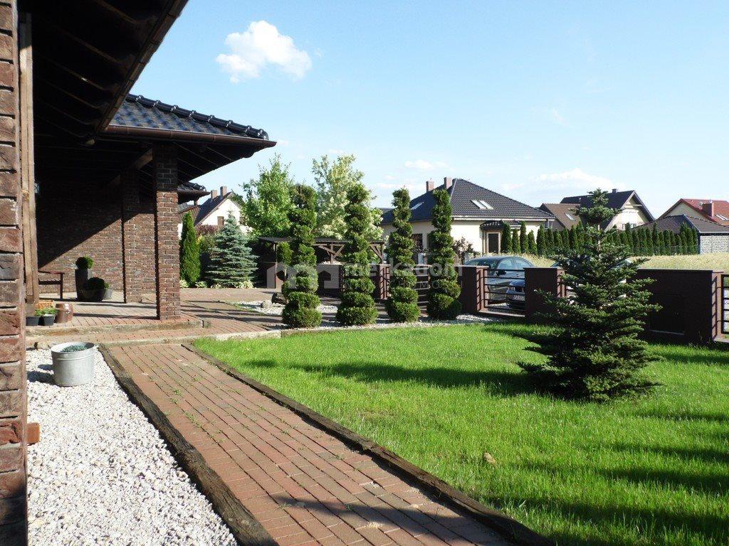 Dom na sprzedaż Dąbrowa  232m2 Foto 1