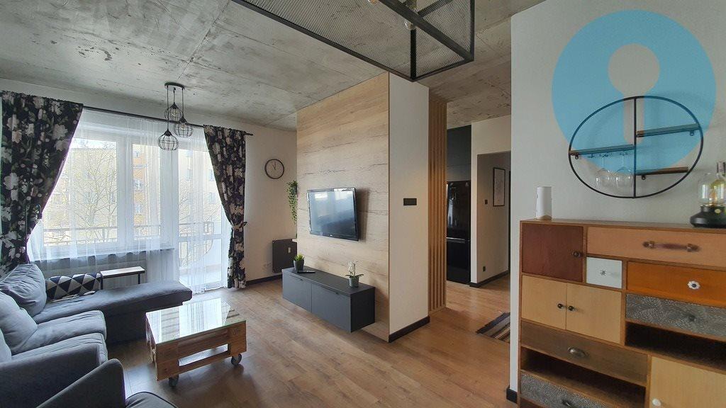 Mieszkanie trzypokojowe na wynajem Kielce, Wojska Polskiego  64m2 Foto 1