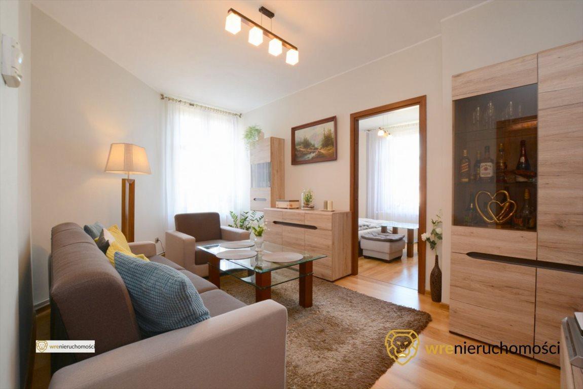 Mieszkanie dwupokojowe na sprzedaż Oleśnica, 11 Listopada  52m2 Foto 1