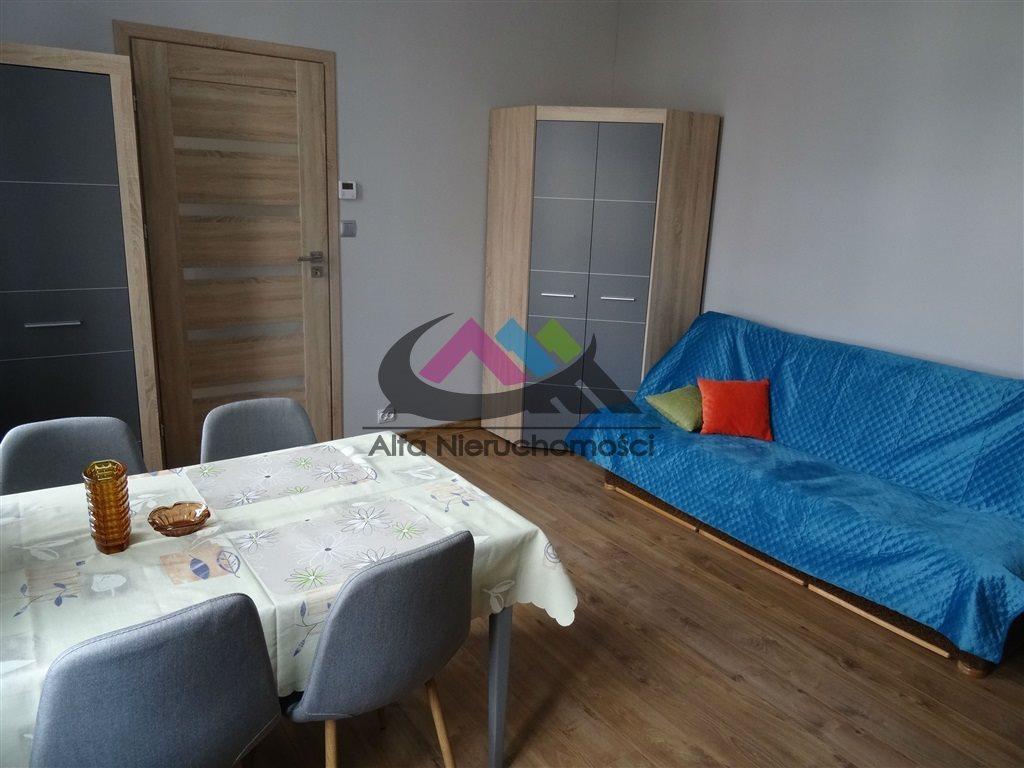 Mieszkanie dwupokojowe na wynajem Piła, Zamość  42m2 Foto 2