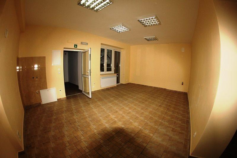 Lokal użytkowy na wynajem Kielce, Centrum  78m2 Foto 1