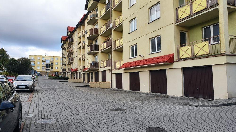 Garaż na wynajem Słupsk, Osiedle Batorego, Aleja 3 Maja  18m2 Foto 1