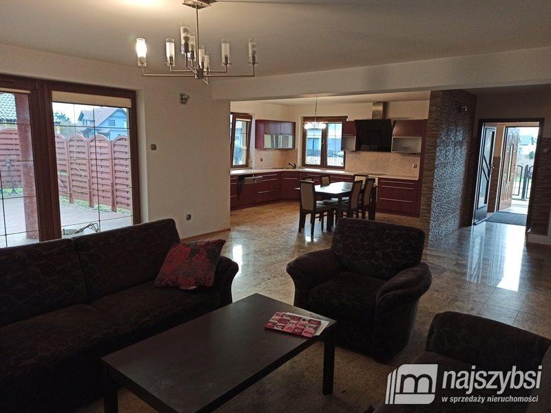 Dom na sprzedaż Świdwin, Miasto  189m2 Foto 2