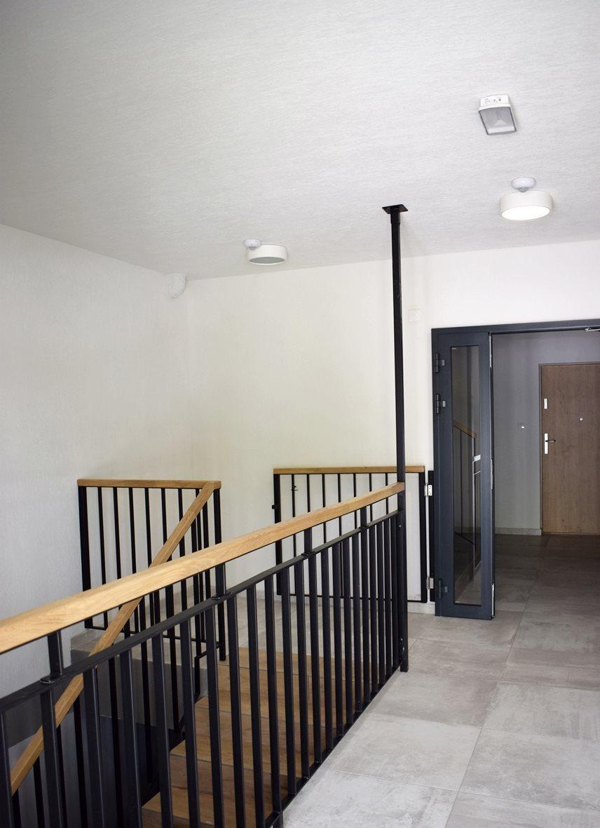 Mieszkanie trzypokojowe na sprzedaż Bielsko-Biała, Lipnik  69m2 Foto 3
