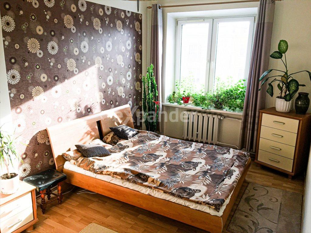 Mieszkanie trzypokojowe na sprzedaż Częstochowa, Jana III Sobieskiego  66m2 Foto 1