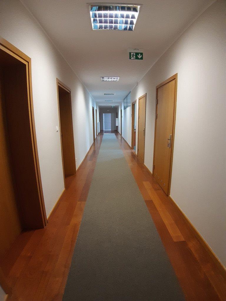 Lokal użytkowy na wynajem Gniezno, Nowoczesny biurowiec!  150m2 Foto 1