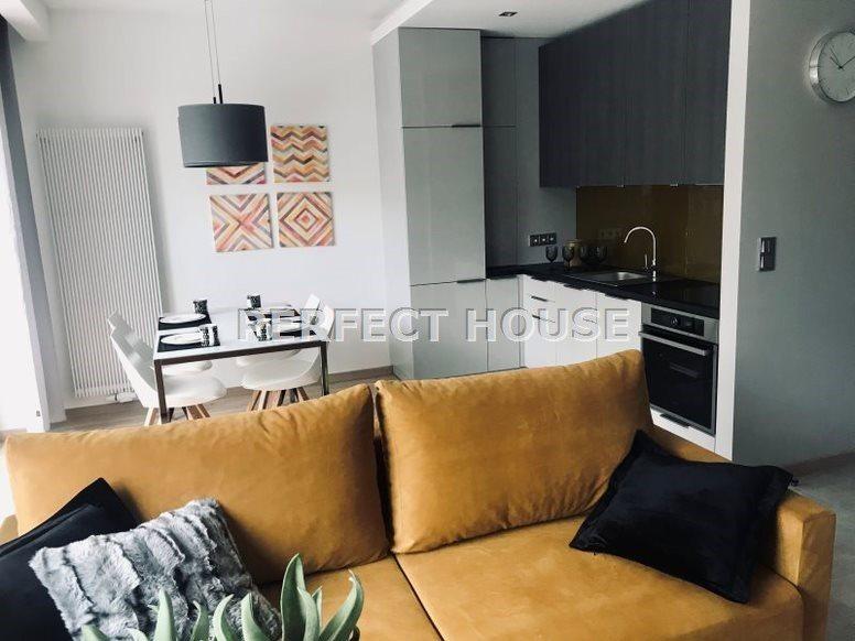 Mieszkanie dwupokojowe na wynajem Poznań, Jeżyce  44m2 Foto 1
