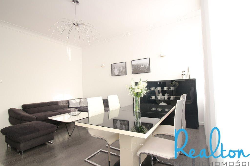Mieszkanie czteropokojowe  na sprzedaż Zabrze, Wandy  139m2 Foto 2