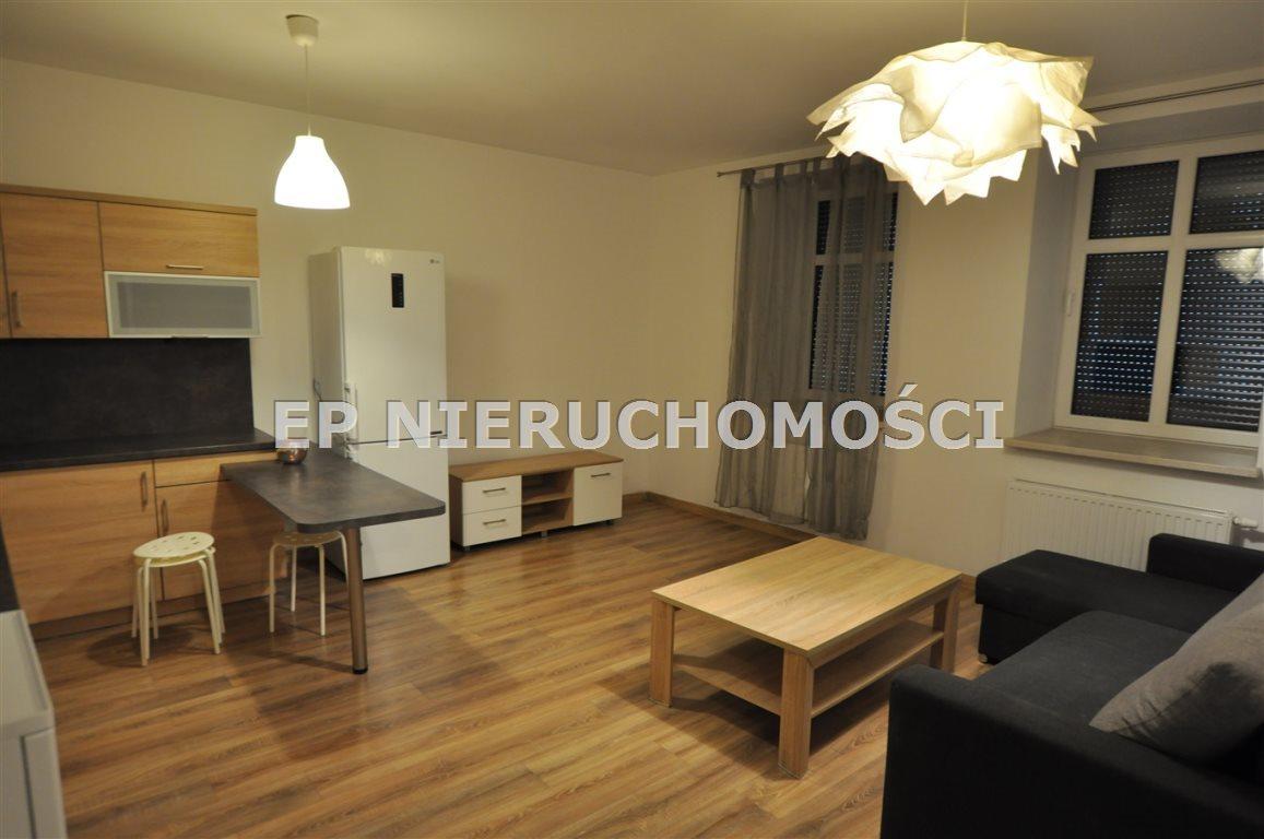 Mieszkanie trzypokojowe na wynajem Częstochowa, Zawodzie  40m2 Foto 1