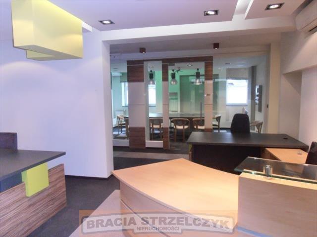 Lokal użytkowy na wynajem Warszawa, Wilanów  135m2 Foto 1