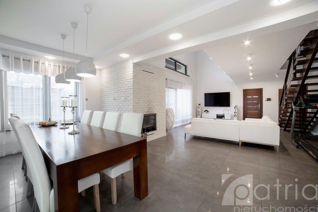 Dom na sprzedaż Czepino  300m2 Foto 1