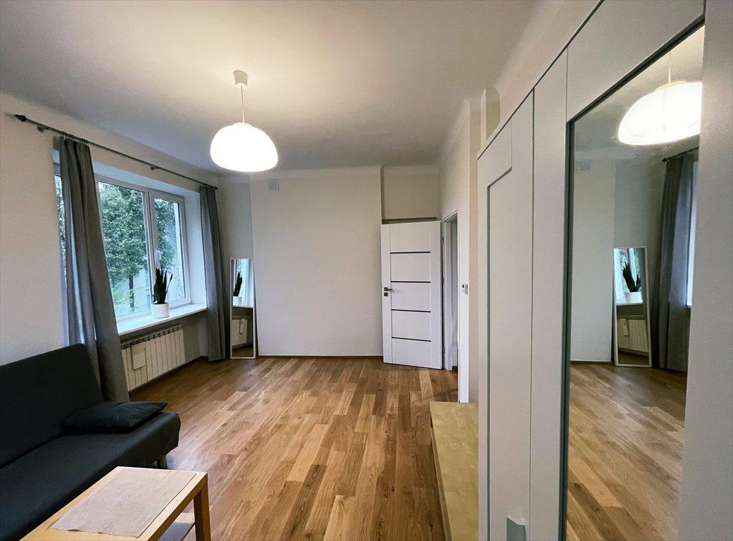Mieszkanie dwupokojowe na wynajem Warszawa, Saska Kępa, Brukselska  37m2 Foto 2