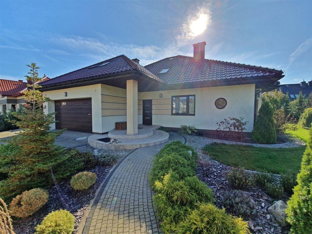 Dom na sprzedaż Bilcza, Liliowa  220m2 Foto 1