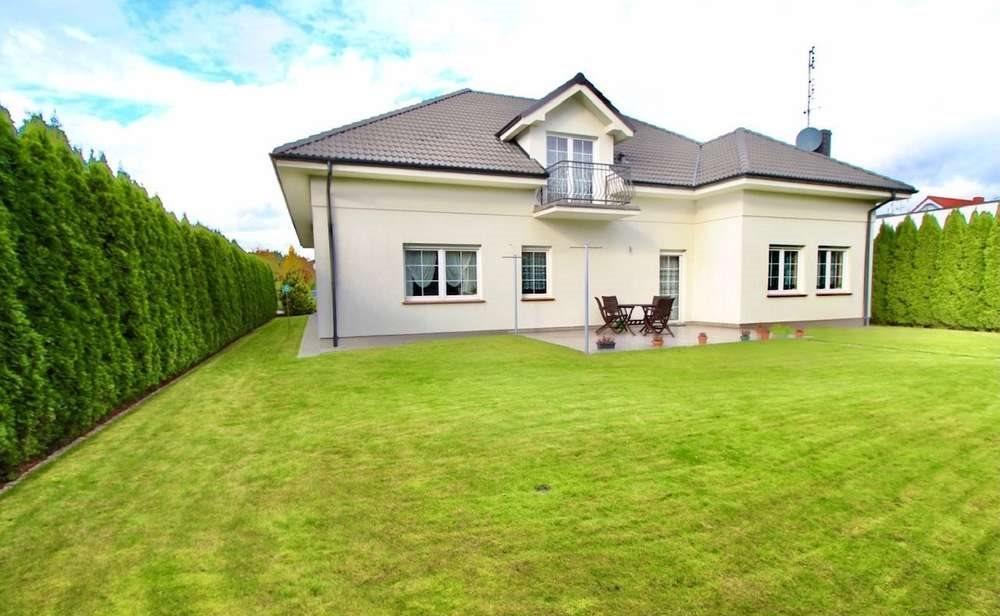 Dom na sprzedaż Chyby  366m2 Foto 1