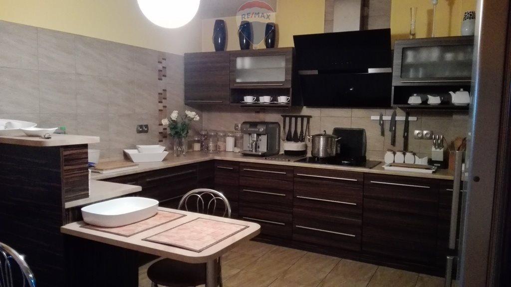 Mieszkanie dwupokojowe na sprzedaż Nowy Targ, Długa  105m2 Foto 1