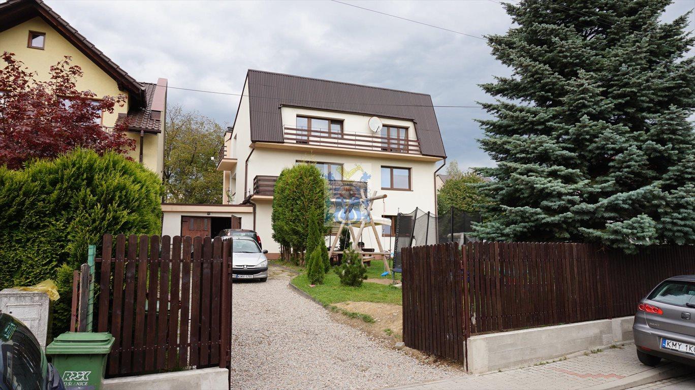 Mieszkanie czteropokojowe  na sprzedaż Myślenice  118m2 Foto 1