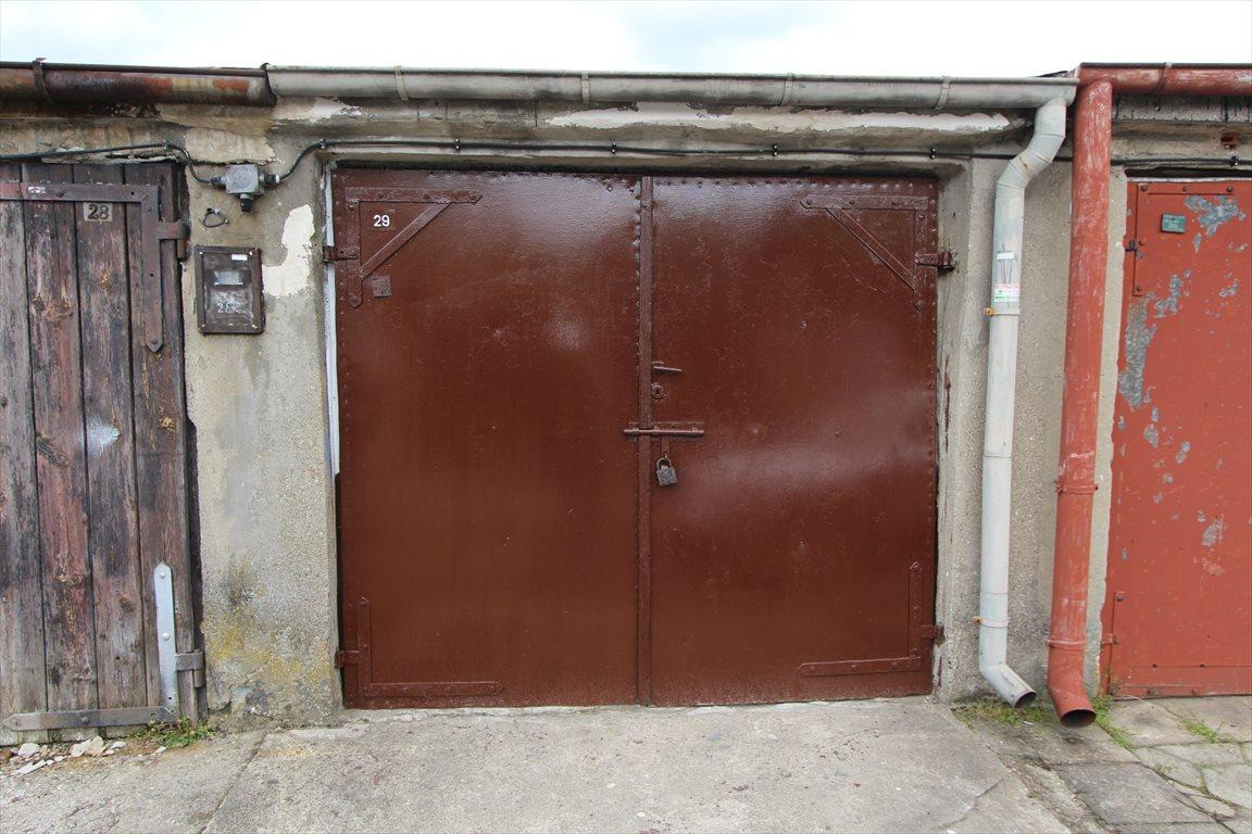 Garaż na sprzedaż Konin  19m2 Foto 1