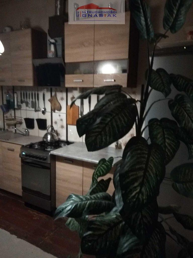 Mieszkanie dwupokojowe na sprzedaż Poradz  65m2 Foto 3