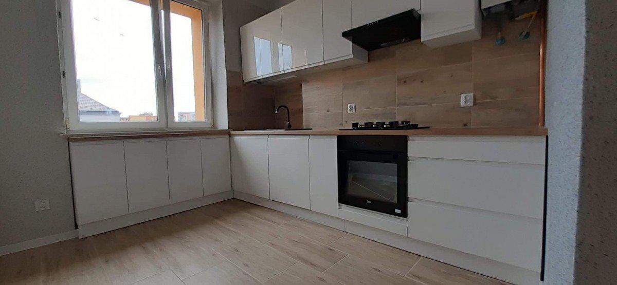 Mieszkanie dwupokojowe na sprzedaż Skarżysko-Kamienna, Milica, Południowa  51m2 Foto 1