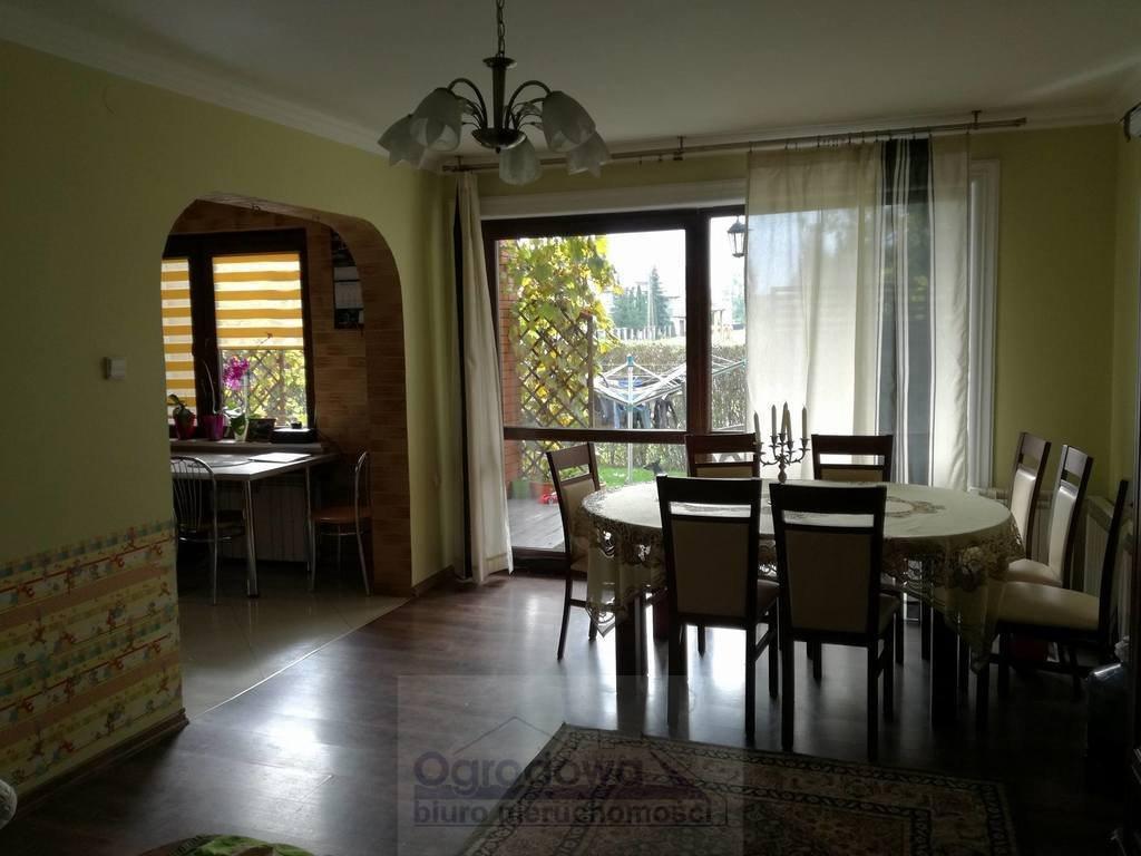 Dom na sprzedaż Tłuszcz  240m2 Foto 2