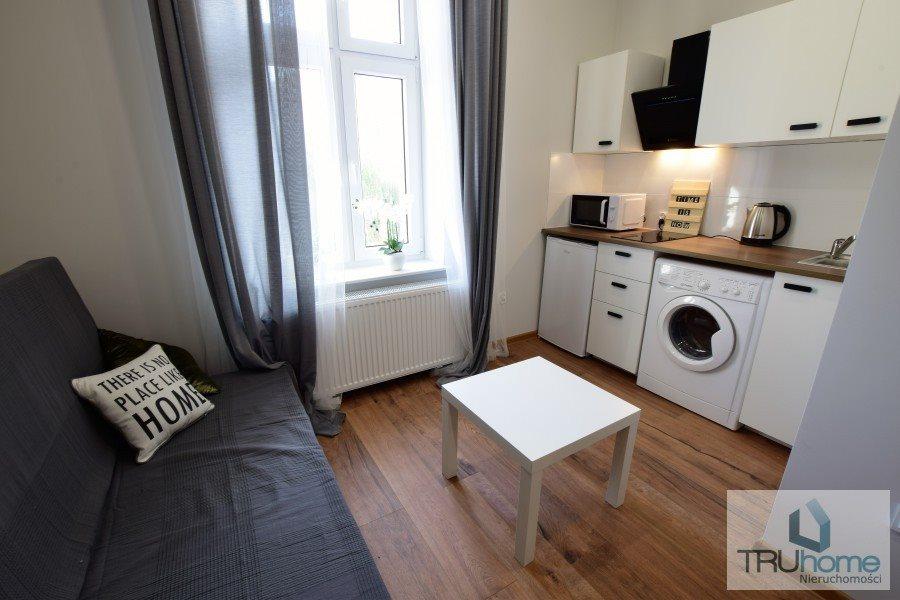 Mieszkanie czteropokojowe  na sprzedaż Katowice, Śródmieście  77m2 Foto 1