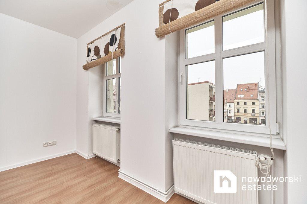 Mieszkanie trzypokojowe na sprzedaż Oleśnica, rynek Rynek  82m2 Foto 13