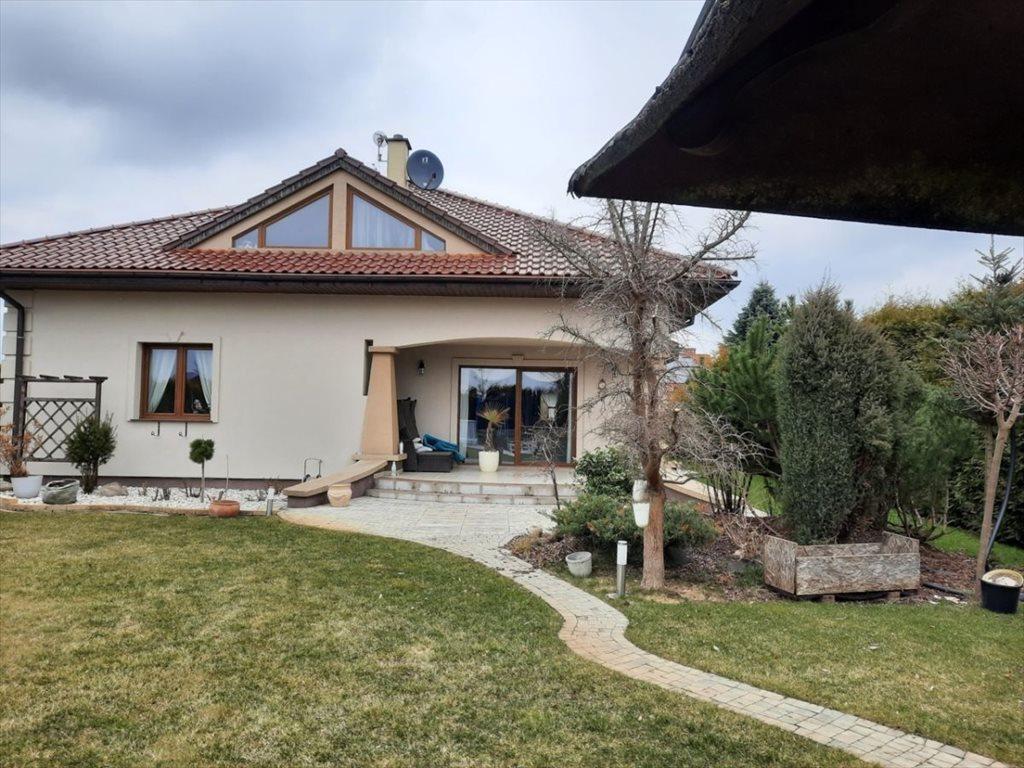 Dom na sprzedaż Jelcz-Laskowice  200m2 Foto 1