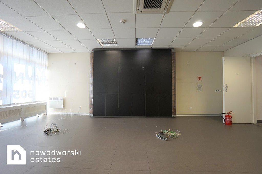 Lokal użytkowy na wynajem Nowy Sącz, Barskie, Lwowska  73m2 Foto 4