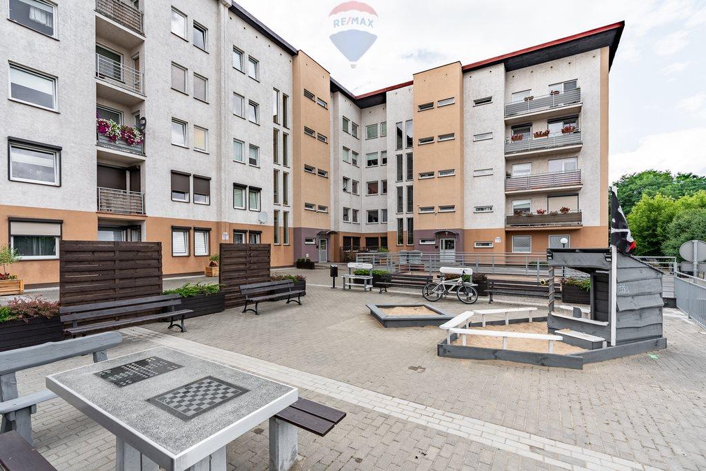 Mieszkanie trzypokojowe na sprzedaż Luboń, al. Aleja Jana Pawła II  70m2 Foto 1