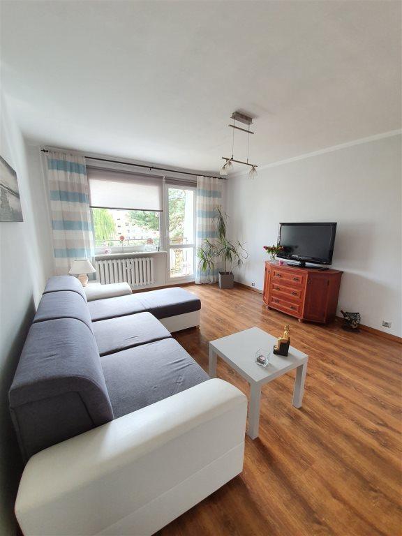 Mieszkanie trzypokojowe na sprzedaż Rumia, Janowo  60m2 Foto 2