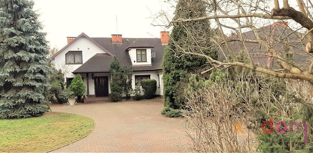 Dom na sprzedaż Brzeziny  250m2 Foto 1