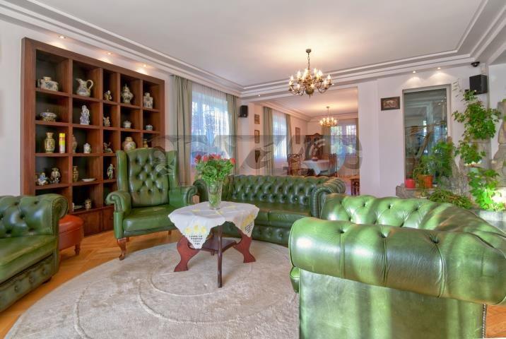 Lokal użytkowy na sprzedaż Warszawa, Wawer  750m2 Foto 1