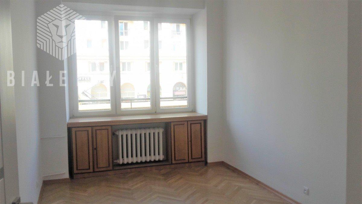 Mieszkanie trzypokojowe na sprzedaż Warszawa, Śródmieście, Aleja Solidarności  65m2 Foto 2