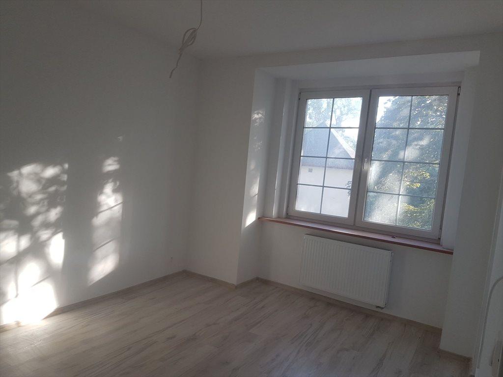 Mieszkanie trzypokojowe na sprzedaż Brzeg, Grabarska  53m2 Foto 1