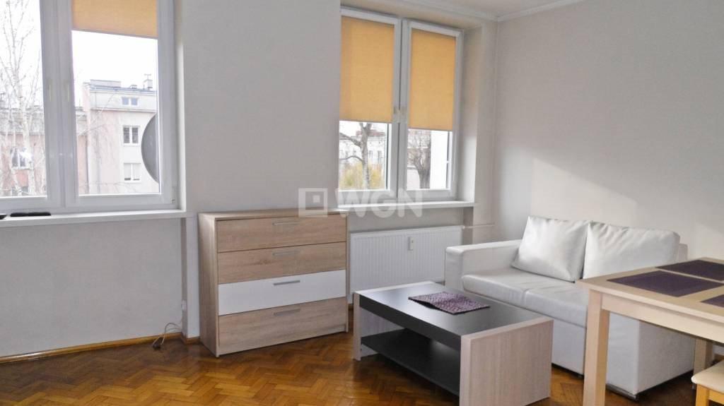Mieszkanie dwupokojowe na wynajem Częstochowa, Śródmieście, Centrum, NMP  36m2 Foto 2