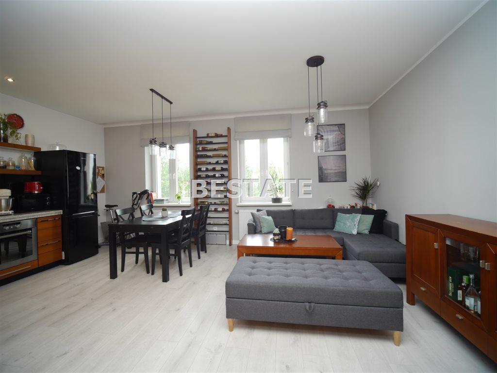 Mieszkanie dwupokojowe na sprzedaż Tarnów  44m2 Foto 1