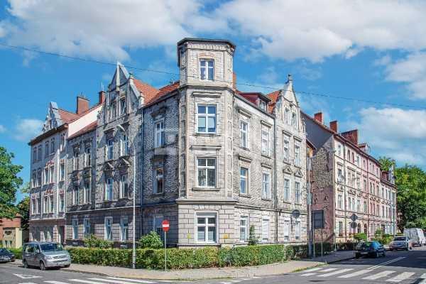Mieszkanie dwupokojowe na wynajem Bolesławiec, Wybickiego  71m2 Foto 1