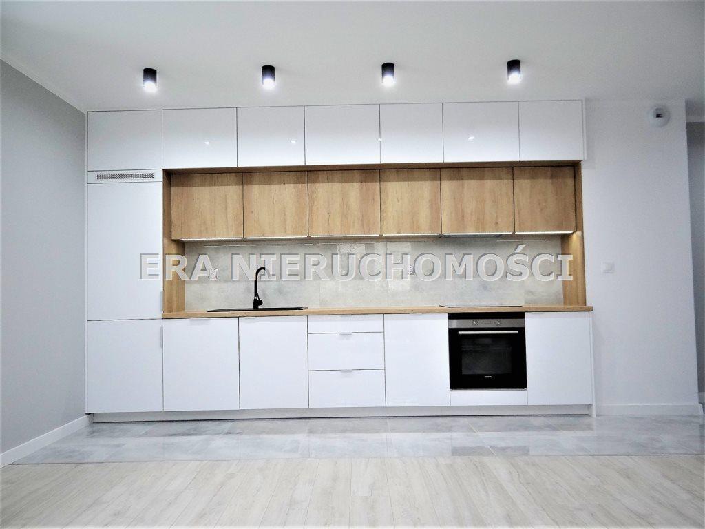 Mieszkanie czteropokojowe  na sprzedaż Białystok, Bema, Kard. Stefana Wyszyńskiego  74m2 Foto 2