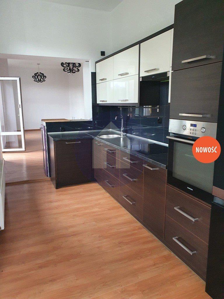 Mieszkanie trzypokojowe na sprzedaż Nowa Ruda  75m2 Foto 1