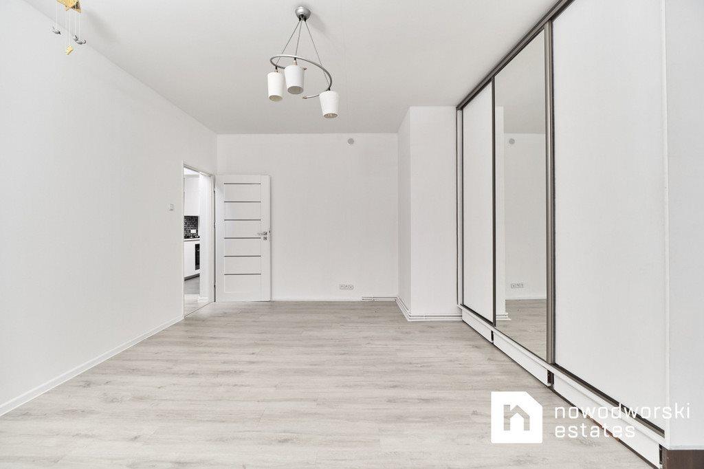 Mieszkanie trzypokojowe na sprzedaż Oleśnica, rynek Rynek  82m2 Foto 1