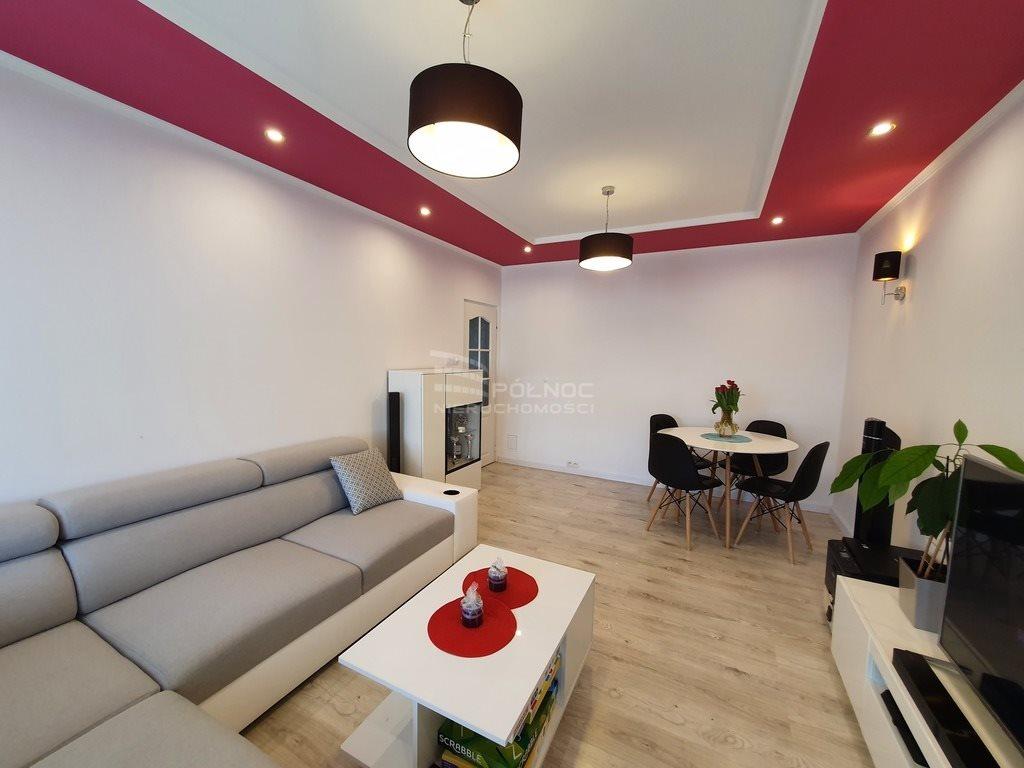 Mieszkanie trzypokojowe na sprzedaż Bolesławiec  60m2 Foto 2
