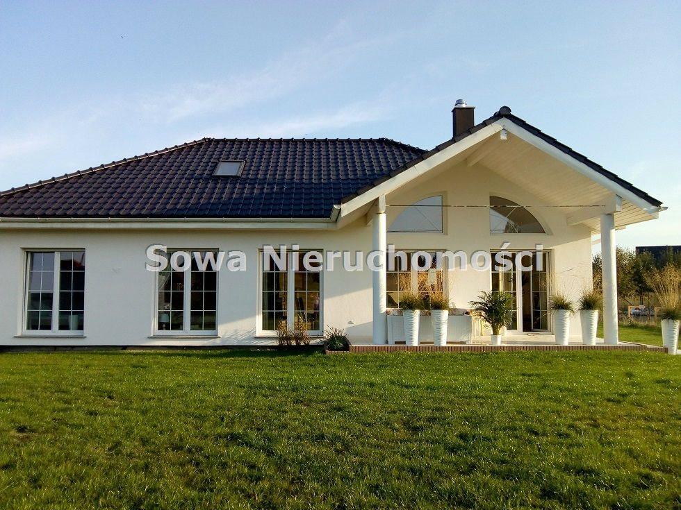 Dom na sprzedaż Żarów  230m2 Foto 2