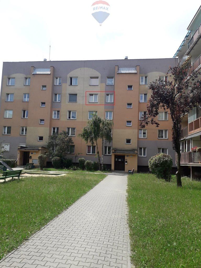Mieszkanie trzypokojowe na sprzedaż Nowy Sącz, 1 Brygady  60m2 Foto 1